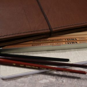 B6 Classic – Elastic Closure in Cognac Leather Cover