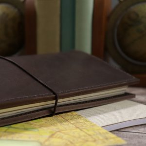 Pocket Classic – Elastic Closure in Espresso Leather Cover