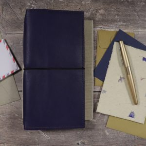 Slim Classic – Elastic Closure in Indigo Leather Cover