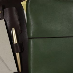 A6 Classic – Elastic Closure in Moss Leather Cover