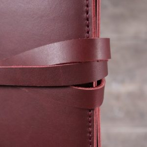 A6 Classic – Tie Closure in Mahogany Leather