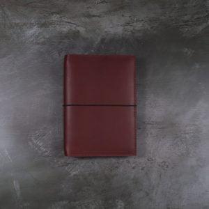 Pocket Classic – Elastic Closure in Mahogany Leather Cover