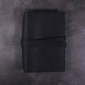 B6 Classic – Tie Closure in Black Leather Cover